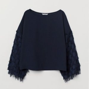 H&M Fringe weave Wide cut top sleeves Size 6